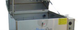 Teilereinigungsgeräte auf Wasserbasis